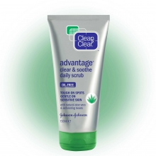 CLEAN & CLEAR® Advantage Clear & Soothe Daily Scrub